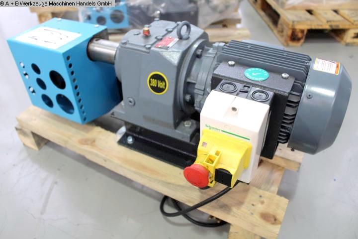 gebrauchte Blechbearbeitung / Scheren / Biegen / Richten Ausklinkmaschine FALKEN PN 60 - 2