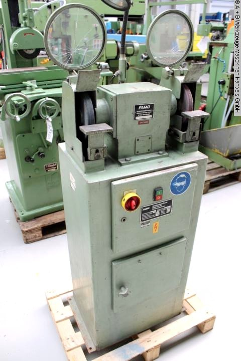 used Grinding machines Wheel Stand FAMO G200A
