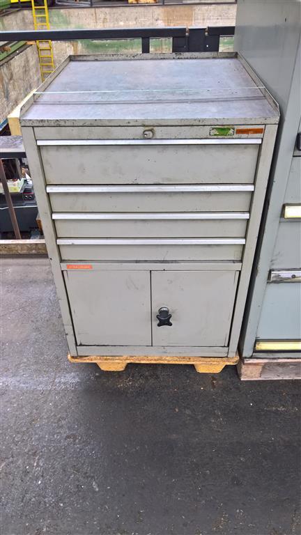 gebrauchte Innerbetrieblicher Transport, Betriebs- u. Lagereinrichtung Werkzeugschrank UNBEKANNT