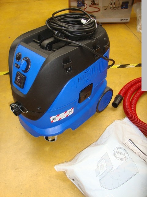 used Chip and dust extracting systems Industrial vacuum cleaner NILFISK ALTO Attix 33 2 H PC