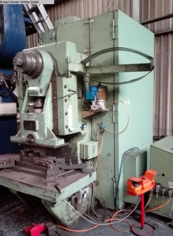 gebrauchte Pressen und Bördelmaschinen Einständerexzenterpresse BETZ EZL 135