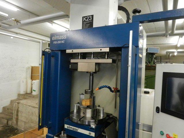 gebrauchte Maschine Innenräummaschine - Vertikal ELMASS P20-250