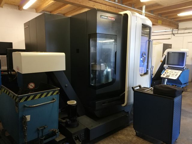 gebrauchte Maschine Bearbeitungszentrum - Universal DMG DMU 40 EVO