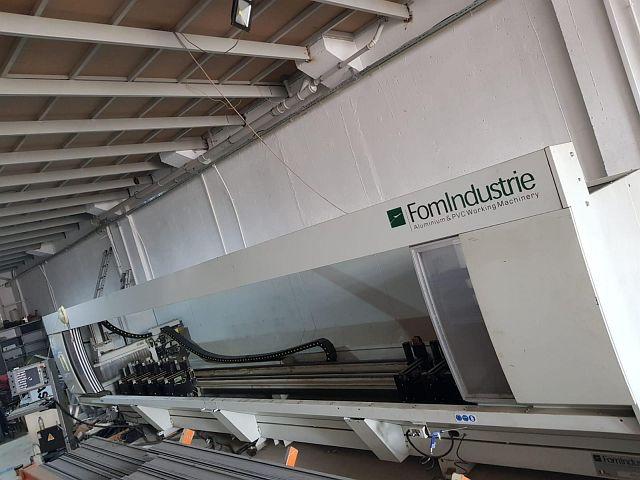gebrauchte Bohrwerke / Bearbeitungszentren / Bohrmaschinen Bearbeitungszentrum - Universal FOM INDUSTRIE DALI 70
