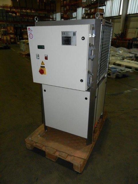 used Heating- cooling unit Cooling Tower HYFRA VWK 110-DE