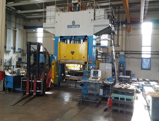 used Double-Column Presse DIEFFENBACHER PHP 1000