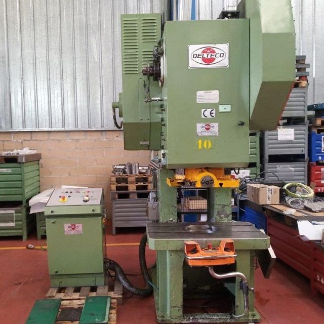 gebrauchte Pressen und Bördelmaschinen Einständerexzenterpresse DELTECO PE-100M