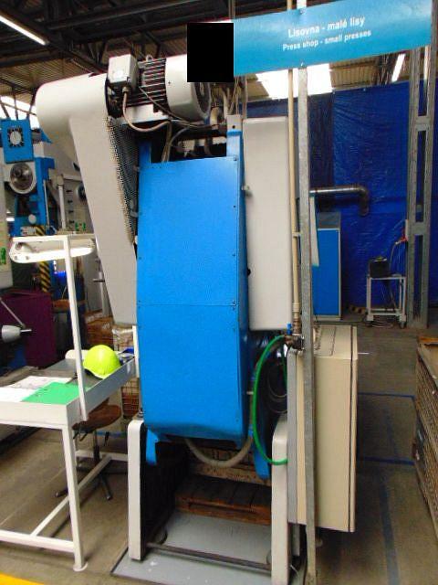 gebrauchte Pressen und Bördelmaschinen Einständerexzenterpresse SMERAL LEN 25 C