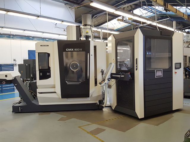 used Boring mills / Machining Centers / Drilling machines Machining Center - Vertical DMG MORI CMX 800 V