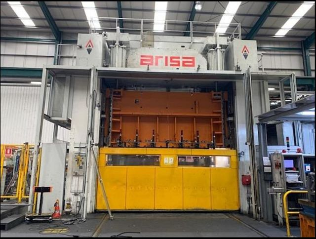 gebrauchte Pressen und Bördelmaschinen Doppelständerexzenterpresse ARISA S4 630 450 240 FD