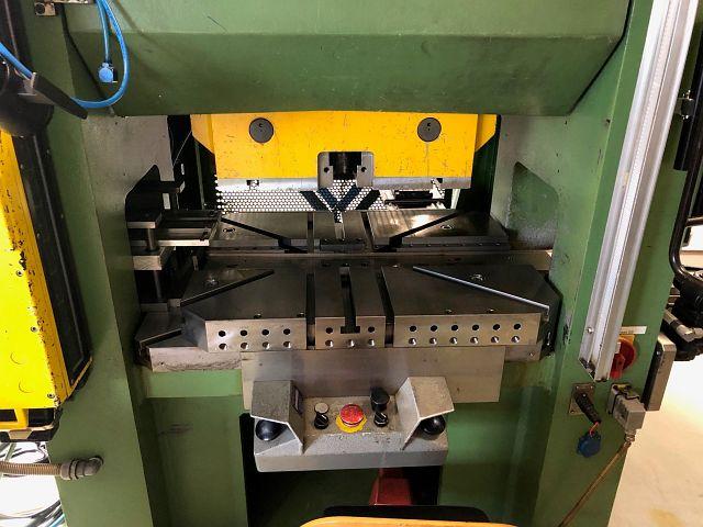 gebrauchte Pressen und Bördelmaschinen Doppelständerexzenterpresse BRUDERER LEINHAAS DWP R09 - 63N