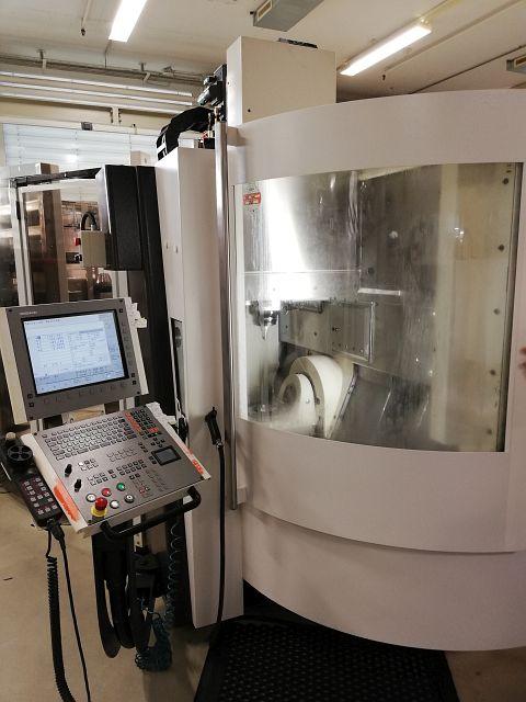 gebrauchte  Bearbeitungszentrum - Universal MIKRON XSM 400 U