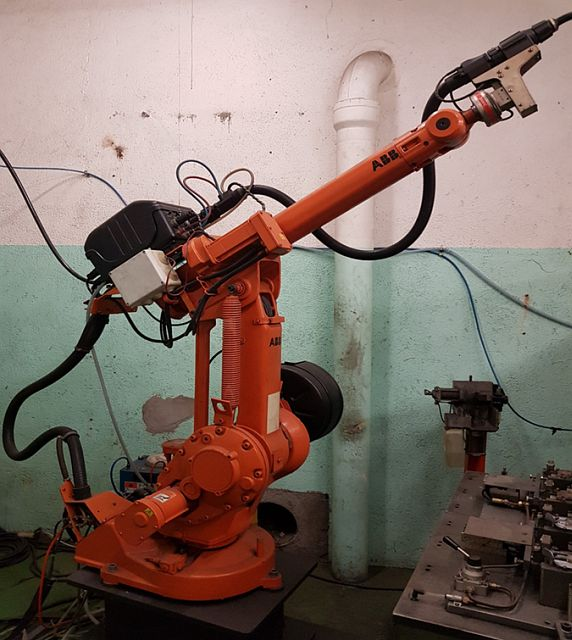 used Welding Robot ABB IRB 1400 6 AXIS