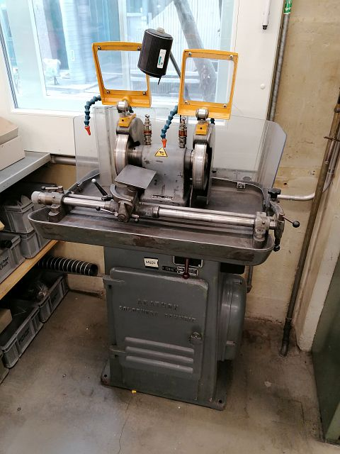 used Grinding machines Wheel Stand AGATHON 175 A