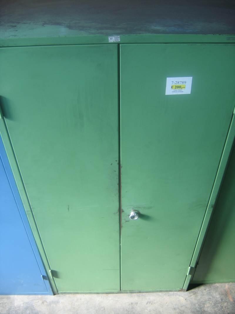 gebrauchte Innerbetrieblicher Transport, Betriebs- u. Lagereinrichtung Werkzeugschrank .
