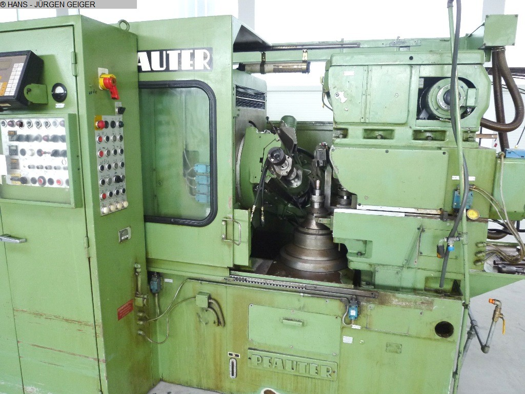 gebrauchte Abwälzfräs- und Stoßmaschine -kombiniert PFAUTER PA 300 SHOBBER