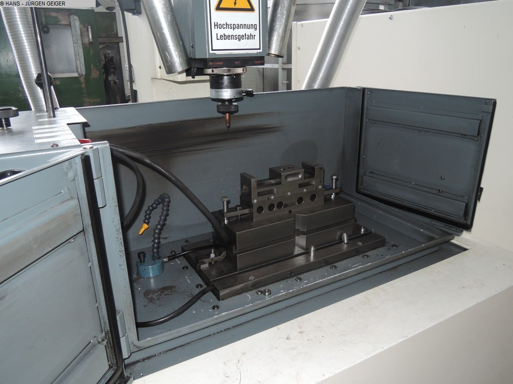 Photo 1  MULTIFORM 5020 CNC