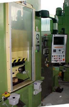 gebrauchte Pressen und Bördelmaschinen Einständerpresse - Hydraulisch DUNKES HD 10