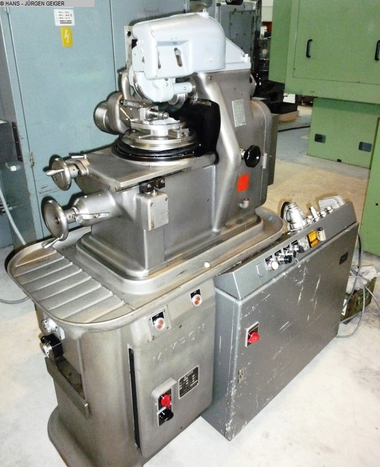 used Gear cutting machines Gear Hobbing Machine - Horizontal MIKRON 102.05 MPS
