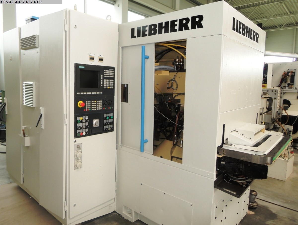 used Gear cutting machines Gear Hobbing Machine - Vertical LIEBHERR LC 82
