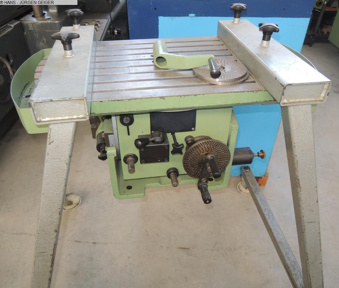 б / у Другие аксессуары для станков Поворотный, поворотный и наклонный стол MIKRON 04.21