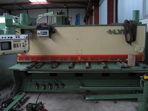 gebrauchte Maschine Tafelschere - hydraulisch LVD MVN 31/6,35