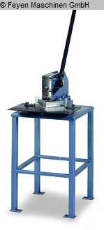 gebrauchte Blechbearbeitung / Scheren / Biegen / Richten Ausklinkmaschine HUVEMA AKM 1.6P