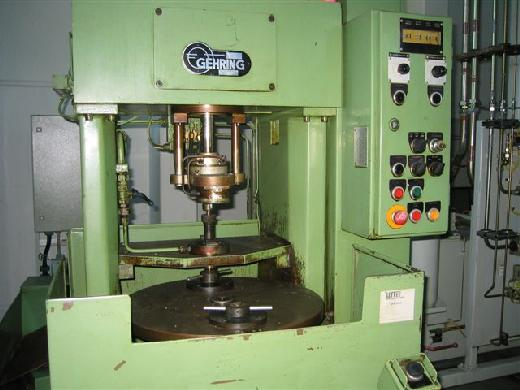 Machine à honer interne - verticale GEHRING M40-10