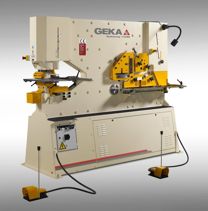 gebrauchte Blechbearbeitung / Scheren / Biegen / Richten Profilstahlschere GEKA HYD 110 SD