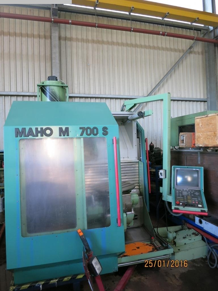gebrauchte Maschine Bearbeitungszentrum - Universal MAHO MH 700 S