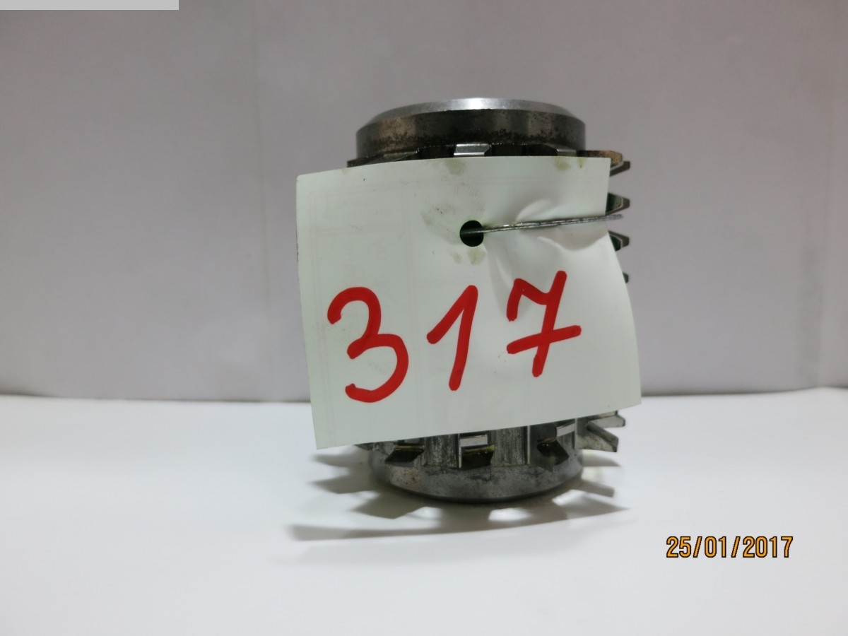 1077-Z00317