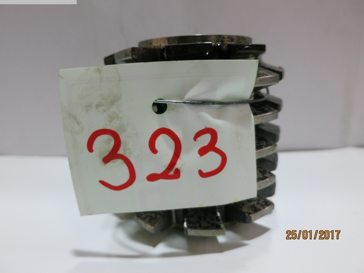 1077-Z00323
