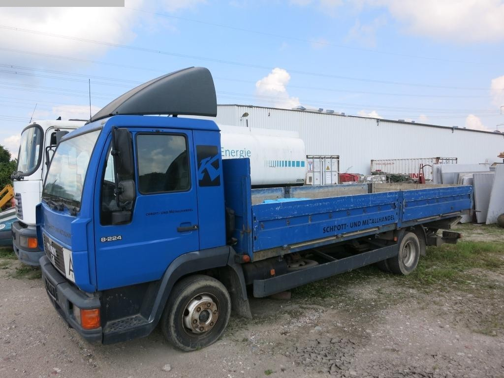used Commercial Vehicles Trucks MAN L 2000