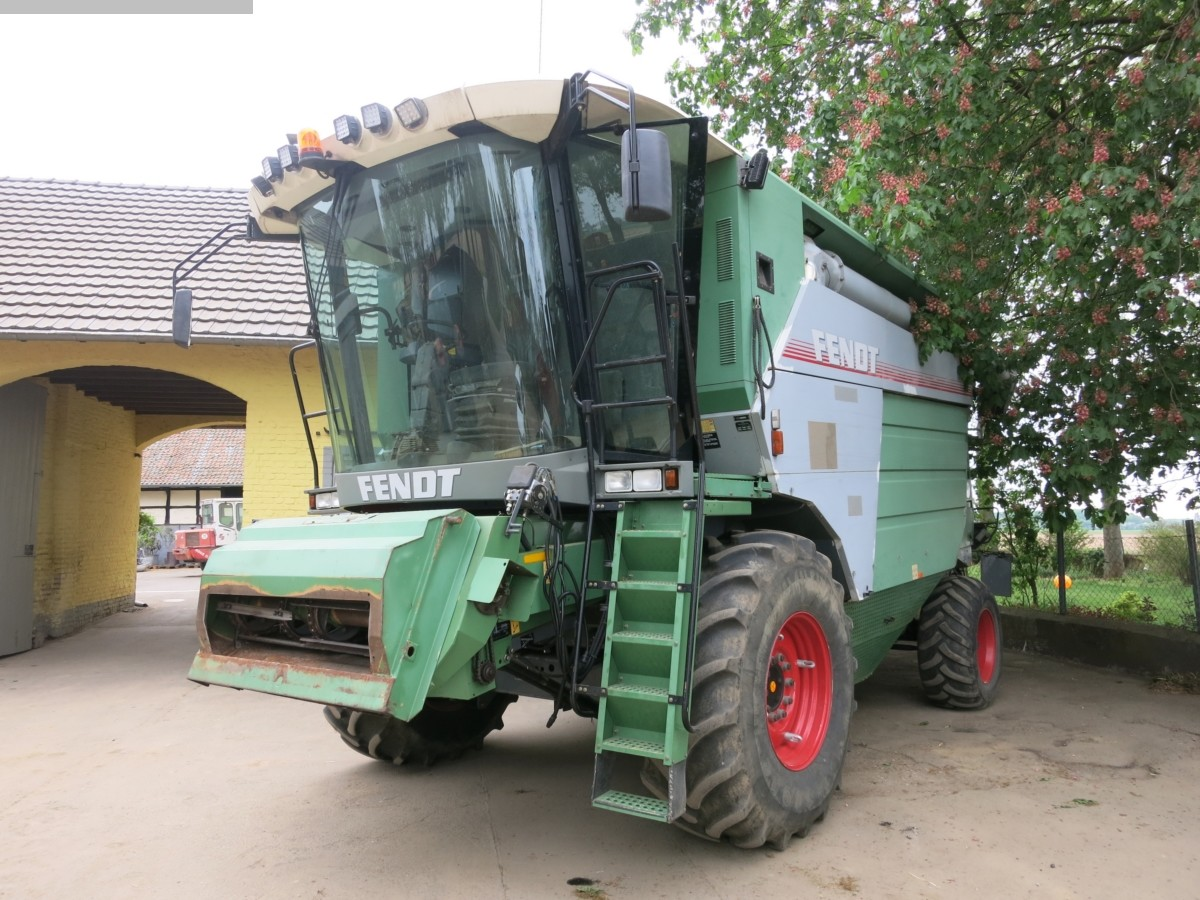 used Construction - Agricultural Machines Combine Harvester FENDT 8350