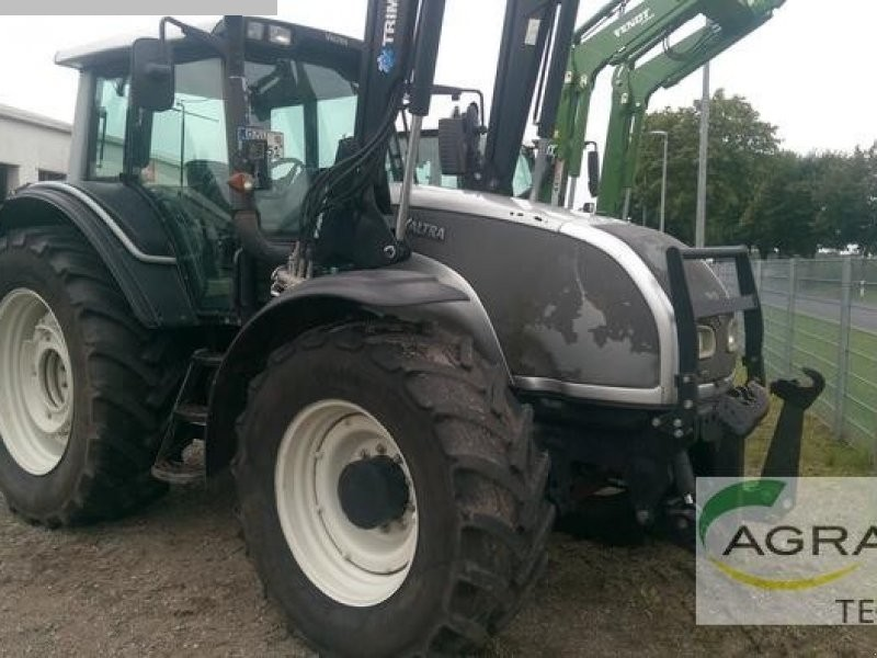 used Construction - Agricultural Machines traction engine VALTRA T151