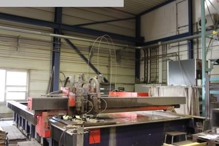 Máquina de corte por chorro de agua para procesamiento de otros metales usada BYSTRONIC Byjett L 6030