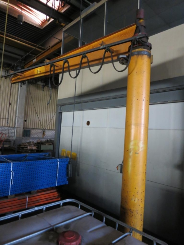 used Other attachments Pillar Type Swivelling Crane