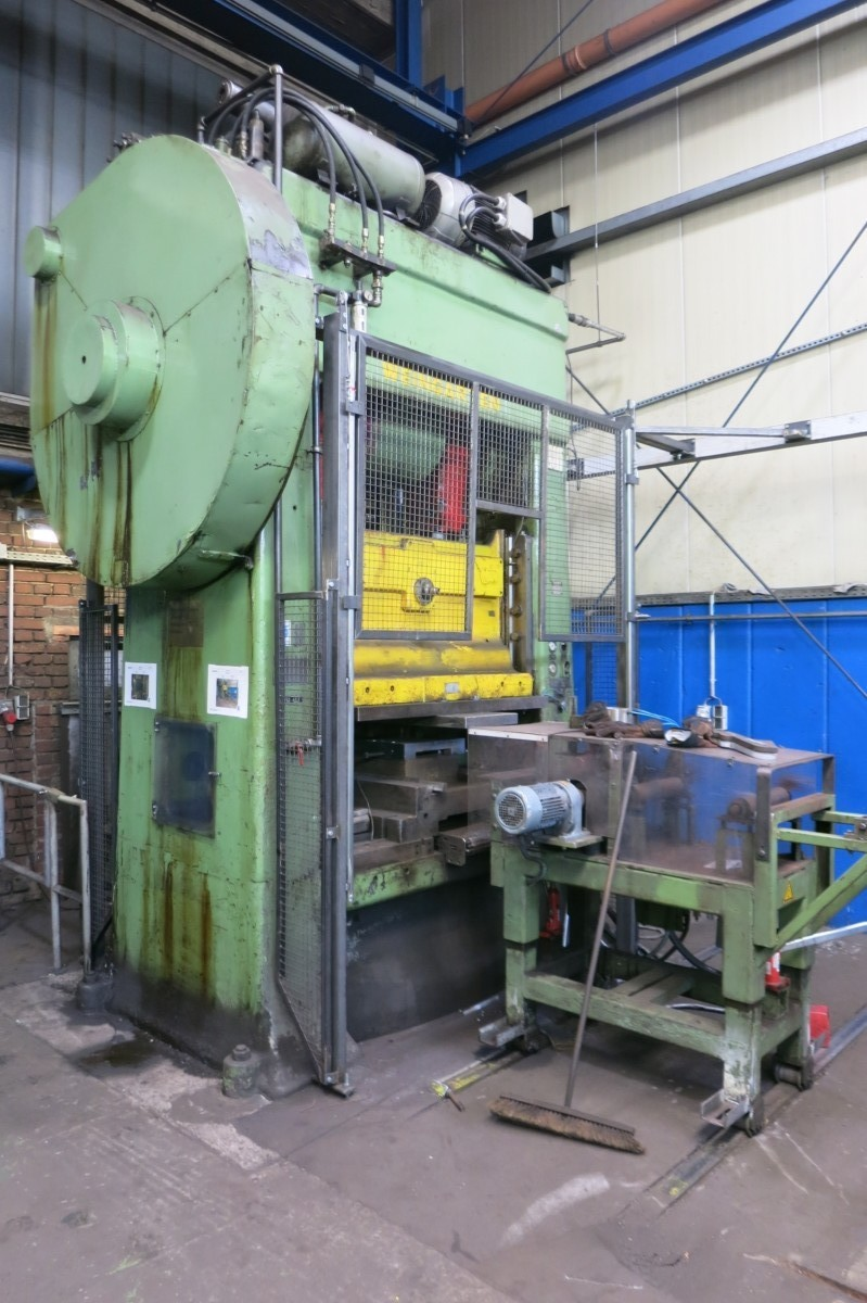 gebrauchte Pressen und Bördelmaschinen Doppelständerexzenterpresse WEINGARTEN DRD IV