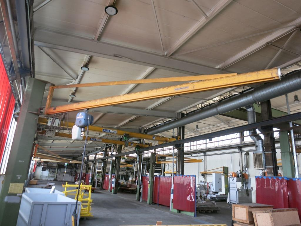 gebrauchte verschiedene Einrichtungen Säulenschwenkkran DEMAG 500kg
