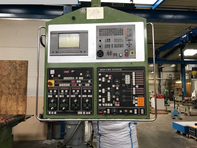 used Milling Machine - Vertical DROOP & REIN FSM1255