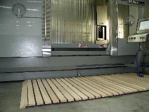 gebrauchte  Norm-Arbeitsplatz MATTES Sicherheits-Holzlaufroste