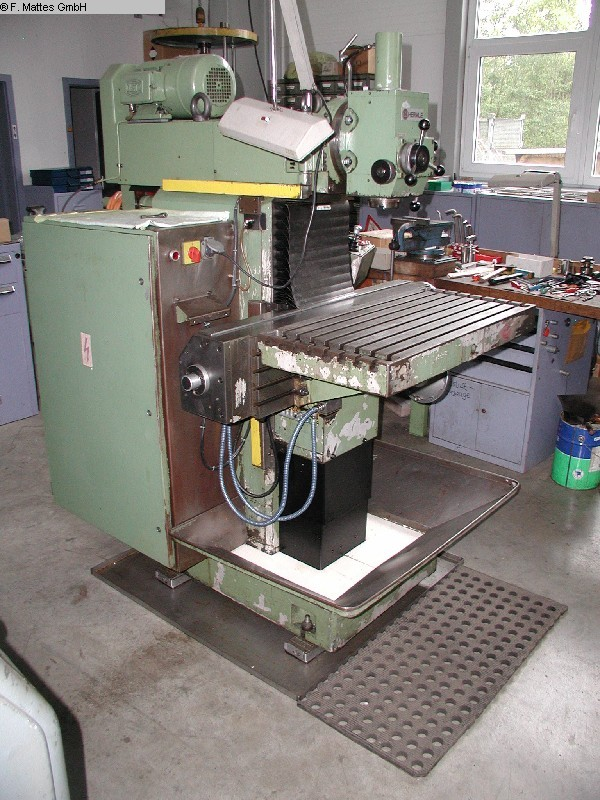 used  Tool Room Milling Machine - Universal HERMLE UWF 801