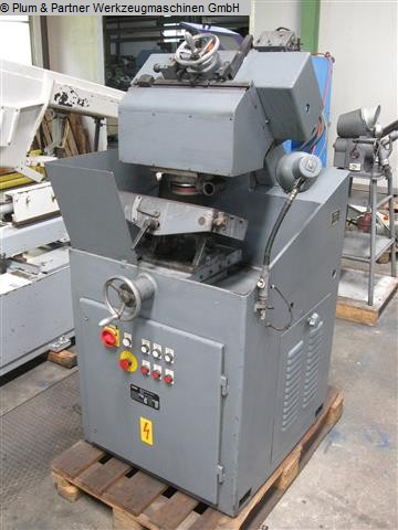 used Machines available immediately Chip Breaking Flute Grinding Machine FAMO TNUV-A 5