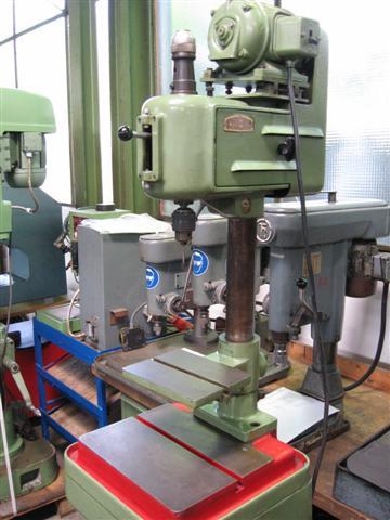 Máquina de perforación de roscas usada - Vertical SYDÉRIC T 6