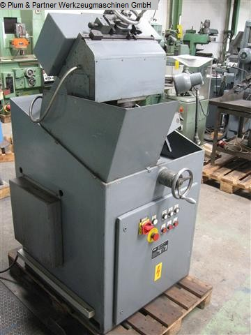 used Chip Breaking Flute Grinding Machine FAMO TNUV-A 5