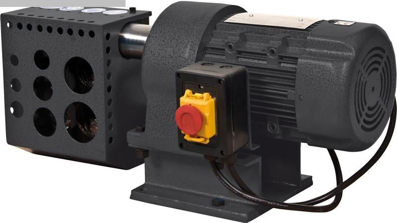 gebrauchte Blechbearbeitung / Scheren / Biegen / Richten Ausklinkmaschine HUVEMA PTN 12U-2