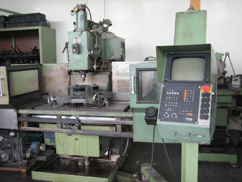 gebrauchte Maschine Werkzeugfräsmaschine - Universal TOS FGS 40 CN