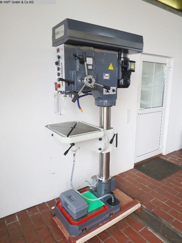 gebrauchte Bohrwerke / Bearbeitungszentren / Bohrmaschinen Säulenbohrmaschine KAMI BKM 3035VS