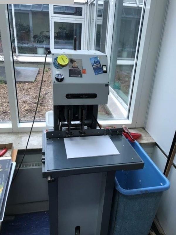 gebrauchte Weiterverarbeitung Papierbohrmaschine Foellmer HD 220F