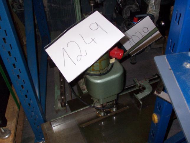 gebrauchte Weiterverarbeitung Papierbohrmaschine HANG 1360